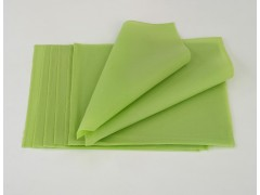 Egg roll wrappers for emerald color of sushi