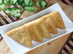 Oily tofu triangles