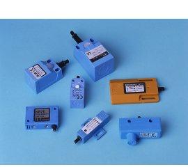Angular Plastic Housing Proximity Sensors(DC-3wire, AC-2wire)